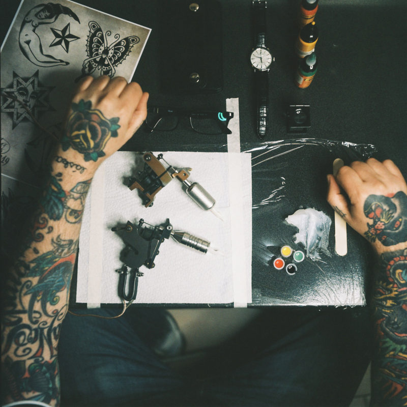 Tattooer working station